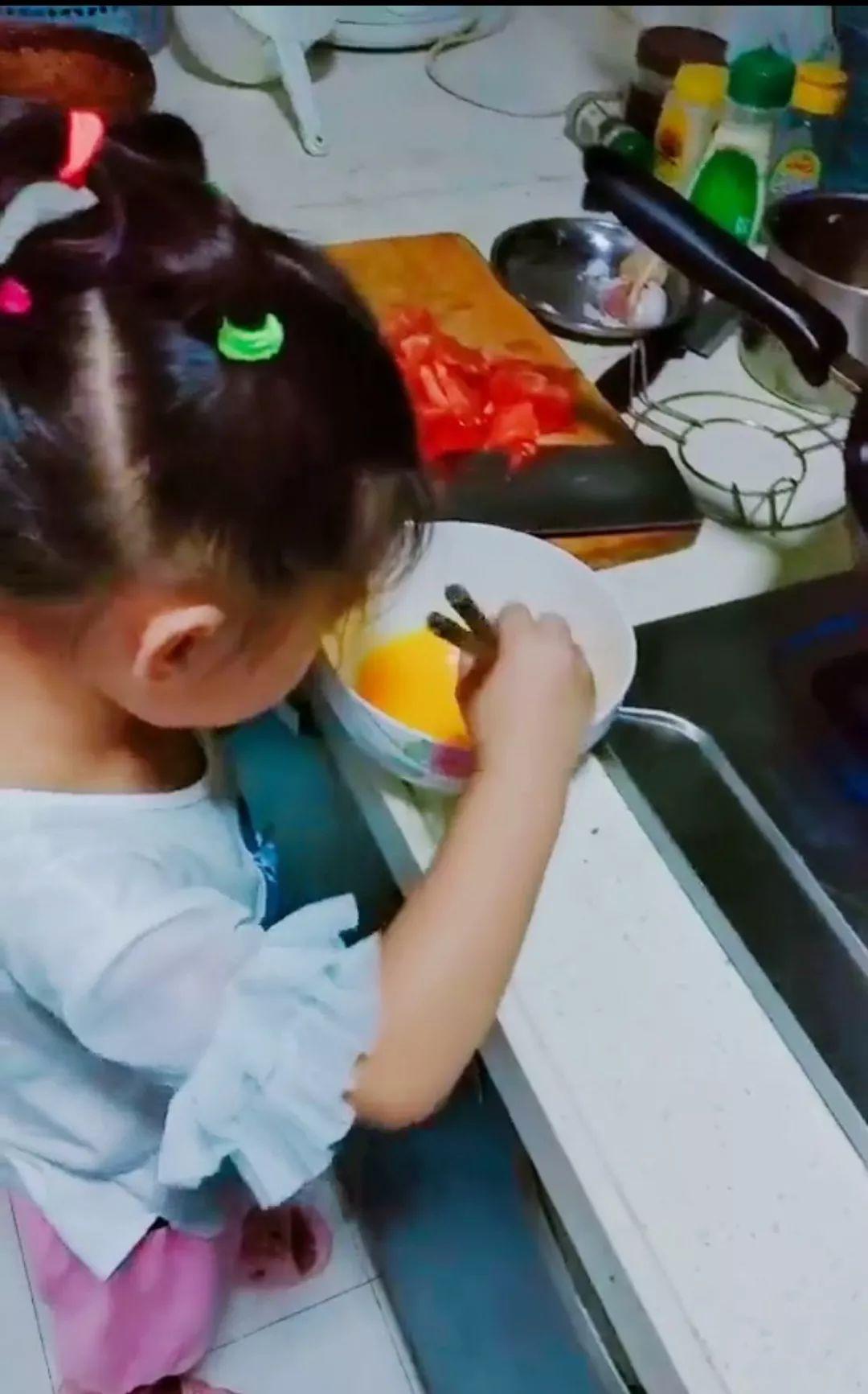"""""""为什么要让孩子进厨房?""""这是最好的回答!"""