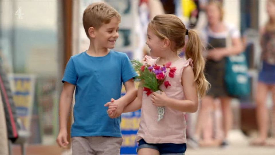 这对5岁小盆友的浪漫约会,甜哭了一群单身的叔叔阿姨!
